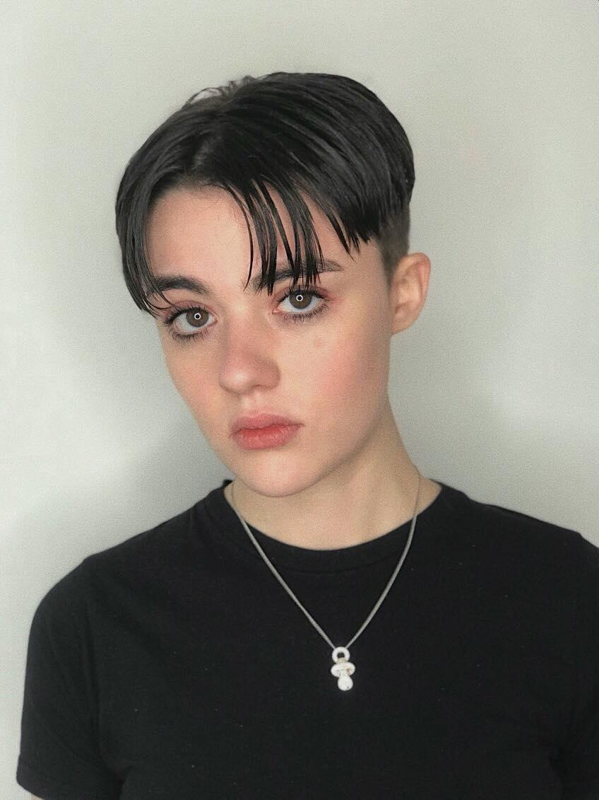 Amélie PETERLI